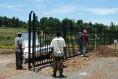 8m Gate being Installed S